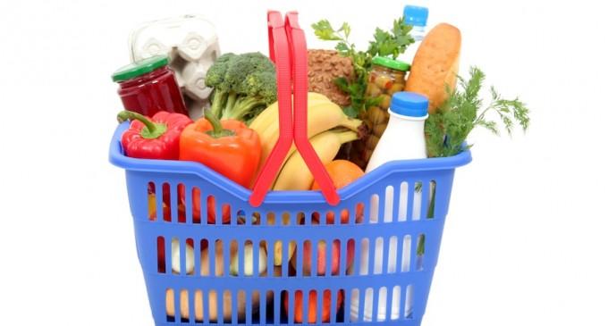 El Ayuntamiento de Segovia reparte alimentos procedentes del FEGA