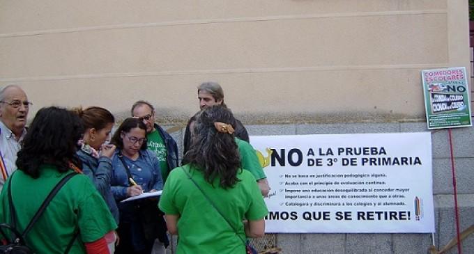 Protestas contra la prueba a los alumnos de 3º de primaria