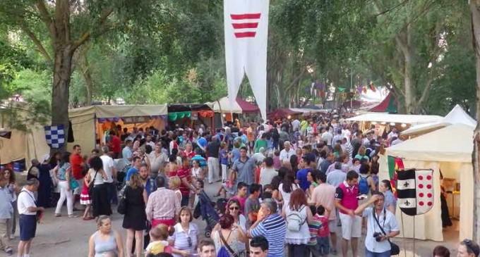 Cuéllar apuesta por la raíz mudejar en el XX aniversario de su Feria de artesanía