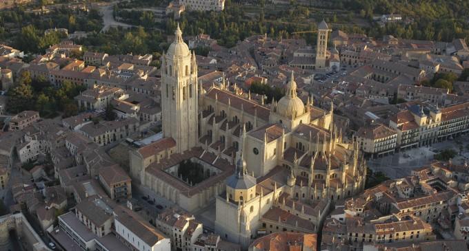 """""""La catedral y su tiempo"""", primer ciclo sobre el Valor del Patrimonio"""