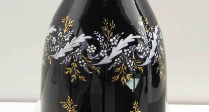 Una garrafa de vidrio de La Granja, 'Pieza del mes' en el Museo de Segovia
