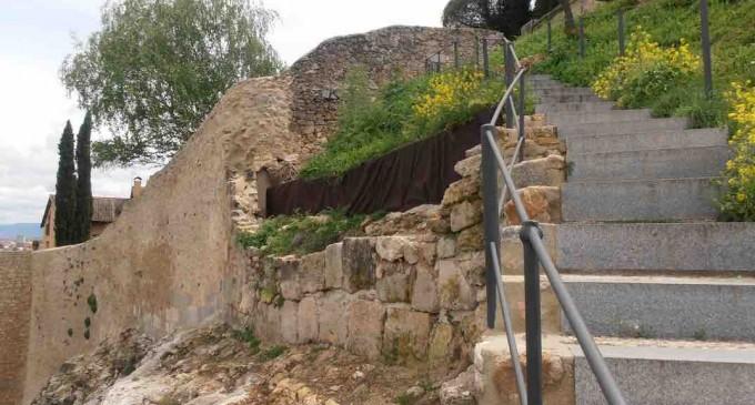 63.000 euros para recuperar un tramo de la Muralla en la 'Cueva de la Zorra'