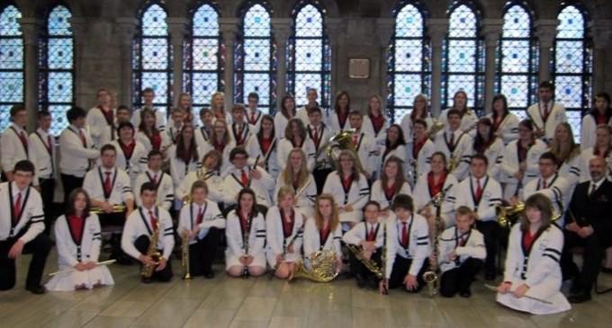 La Bandas de St. Mary's Schoolabren su gira española en Segovia