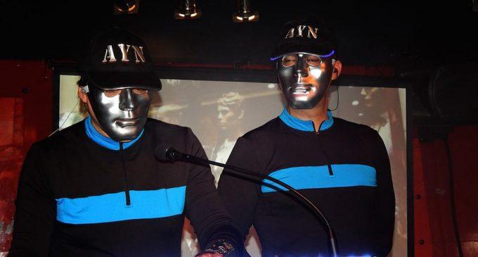 Ritmos electrónicos con 'Azul y Negro'