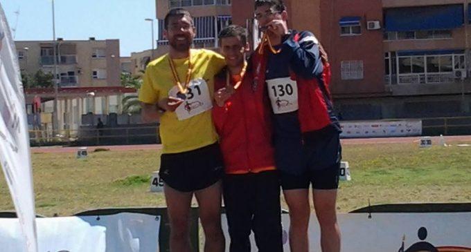 Diego Postigo 'sube al cajón' en el campeonato nacional de atletismo para personas con discapacidad