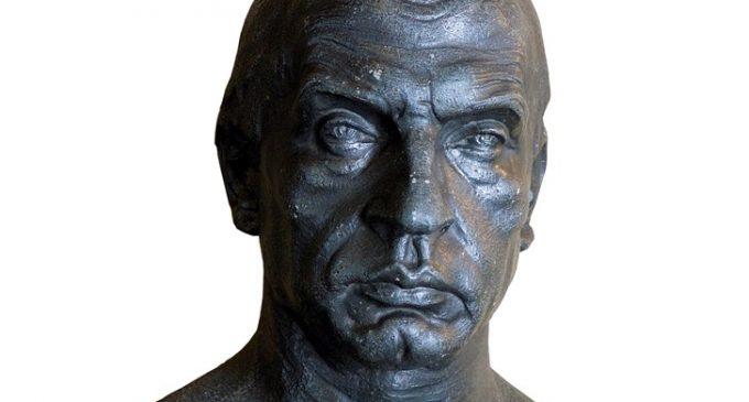 Un busto realizado por Emiliano Barral, pieza del mes en el museo de Segovia