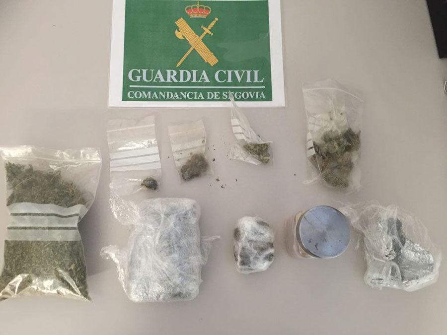 Detenido con 158 gramos de marihuana y 87 de hachís