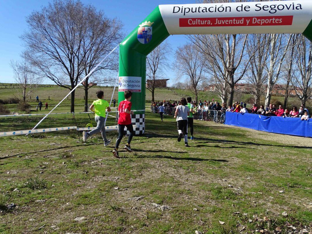 Escolares de la provincia disputan la final del campeonato escolar de Campo a Través